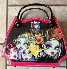 Monster High Scary Stylin Case by Monster High. $31.33. 4 shimmer powders. 3 lipsticks. 2 lip crayons. 4 lip glosses. 3 nail polishes. You too can look Freaky Fabulous with this cool Monster High makeup case! Over 20 pieces to transform you into a gorgeous ghoul!  Includes 4 lip glosses, 3 lipsticks, 3 nail polishes, 4 shimmer powders, and 3 lip crayons, 2 hair bands, 2 applicators, 3 brushes, 2 rings, 2 toe dividers, mirror, and nail buffer all in one chic case.  Note...