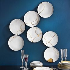 Kintsugi (金継ぎ golden joinery), or Kintsukuroi (金繕い golden repair). The Japanese art of repairing broken porcelain with gold, which embraces wabi-sabi (侘寂) - the acceptance of transience and imperfection Kintsugi, Wabi Sabi, Ceramic Plates, Ceramic Pottery, Ceramic Art, Wall Plates, Displays, Art Japonais, Museum Of Contemporary Art
