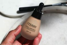By Terry Hyaluronic Hydra-Foundation review swatches
