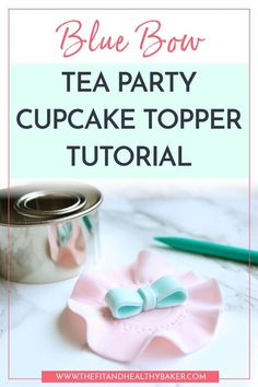 Need cupcake topper ideas that you can make for a Tea Party? Click through for this beautiful Blue Bow Tea Party Cupcake Topper Tutorial. Cake Decorating For Beginners, Creative Cake Decorating, Cake Decorating Tutorials, Creative Cakes, Decorating Ideas, Pretty Cupcakes, Beautiful Cupcakes, Cupcake Art, Cupcake Toppers