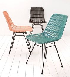 Good model dining chair from HK-Living. This chair has a metal frame where the rattan is braided. With its beautiful slender legs, this chair is really an asset Turquoise Dining Chairs, Rattan Dining Chairs, Metal Chairs, Dining Chair Set, Outdoor Chairs, Adirondack Chairs, Indoor Wicker Furniture, Balcony Furniture, Home Furniture