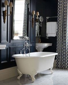 A bit of back to work bathroom inspiration for this sunny Tuesday. Grey walls never disappoint #ideas #decor #bathroom #bathroomdecor #bathroomdesign #interiordesign #interiors #decor #inspiration