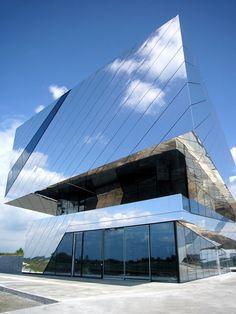 Palaon Mirror Building Holzer Kobler Architekturen