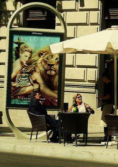Café Primaveral en Serrano/ Madrid Madrid, Bavaria, Baby Strollers, Children, Photography, Italy, Street, Toddlers, Fotografie