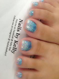 Glitter pedicure, glitter toe nails, beach toe nails, blue toe nails, g Glitter Pedicure, Glitter Toe Nails, Blue Toe Nails, Blue Ombre Nails, Pretty Toe Nails, Pedicure Nail Art, Toe Nail Art, Gel Nails, Pretty Toes