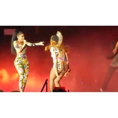 Beyoncé, Jay Z 'OTR' Tour Highlights: Couple Trades Compliments, Nicki Minaj Takes The Stage