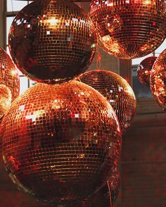 Scenes From the Office: Holiday Cheer Disco Party, Disco Ball, Disco Disco, Aesthetic Photo, Aesthetic Pictures, Aesthetic Movies, Musica Disco, Party Scene, Orange Aesthetic