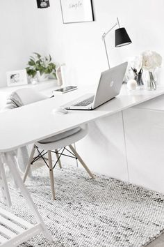 So make sure you design your home office exactly how you want from the perfect colors, . See more ideas about Desk, Home office decor and Home Office Ideas. Mesa Home Office, Home Office Space, Home Office Desks, Ikea Office, Office Rug, Office Chic, Office Style, Ikea Workspace, Desks Ikea
