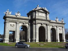 Fotografía: Joyce Cordero Madrid, Louvre, Building, Travel, The World, Lamb, Vacations, Cities, Places