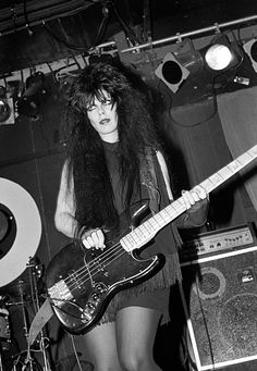 Patricia Morrison of The Gun Club performing at the Peppermint Lounge in NYC, 11 November 1982 Bass, Patricia Morrison, 80s Punk, 80s Goth, Goth Bands, Sisters Of Mercy, Dream Pop, Look Man, Gothabilly