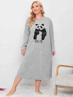 Robe de nuit avec motif slogan | SHEIN Satin Pyjama Set, Satin Pajamas, Pajama Set, Mens Pants Size Chart, Buttons, Grande, Sweaters, Dresses, Style
