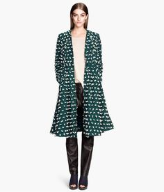 Bell-shaped coat in woven fabric with an embroidered pattern: love it!