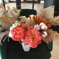Simte dragostea astazi. 🌺 Floral Design, Bouquet, Wreaths, Bride, Fall, Garden, Flowers, Home Decor, Wedding Bride