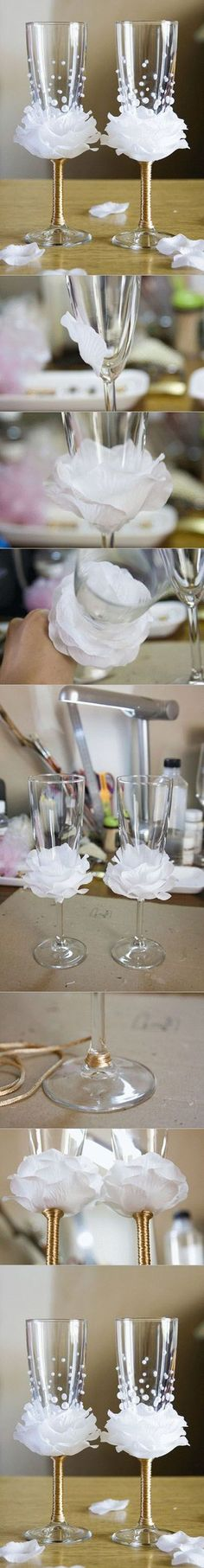 Wonderful DIY Wine Glasses Decoration With Flowers and Beads DIY Flower Bead Decorated Wine Glasses. These would be perfect for a wedding toast, bridal showers, [. Diy Wine Glasses, Decorated Wine Glasses, Champagne Glasses, Diy Wedding Glasses, Beaded Flowers, Diy Flowers, Flowers Wine, Flowers Decoration, Wedding Flowers