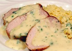 Weight Watchers filet mignon with maroilles cheese, a delicious dish of pork tenderloin simmered in a creamy sauce, easy and simple to cook. Ww Recipes, Light Recipes, Healthy Recipes, Savoury Recipes, No Calorie Foods, Low Calorie Recipes, Tasty Dishes, Food Dishes, Weigh Watchers