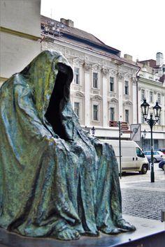 Hollow face eerie statue, Prague, Czech Republic