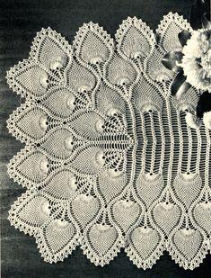 crocheted runner | 1940's Pineapple Crochet Table Runner Pattern by PearlShoreCat