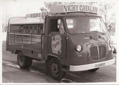 https://flic.kr/p/EbPNCa | Camioneta de época de Vichy Catalan. Años 70 | Foto: ESPUMOSOS AGUILÓ, Falset-Tarragona s-d, 1970, 1978