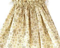 Toddler girl skirt, Christmas skirt, holiday skirt, handmade skirt, snowflake skirt, custom clothing, boutique Christmas, Christmas in July