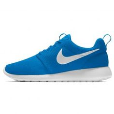 Are you in search of Nike Roshe One shoes in Pakistan? You can buy these shoes from shoes online. They have a vast range of running shoes for you. Buy Nike Shoes, Buy Vans, Indian Shoes, Egypt Fashion, Roshe One, Buy Shoes Online, Slingback Pump, Nike Roshe, Suede Pumps