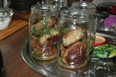 Kotlet mielony w sosie pieczeniowo-koperkowym, danie do słoika - Ogrodnik w podróży Pickles, Cucumber, Meat, Chicken, Food, Essen, Meals, Pickle, Yemek
