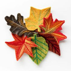 Create your own 3D masterpiece with these beginner friendly needle felting kits. Available from The Woolery. Needle Felting Tools, Wet Felting, Felted Wool Crafts, Fall Felt Crafts, Needle Felted Ornaments, Felt Leaves, Nature Table, Nature Decor, Leaf Shapes