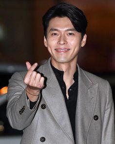 Memories of the Alhambra wrap up party! Korean Male Actors, Asian Actors, Korean Men, Hyun Bin, Daniel Henney, Beautiful Boys, Gorgeous Men, Simply Beautiful, Ha Ji Won