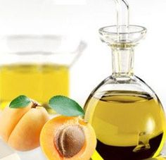 The Best Fruit Oils For Skin Care. We all know them as sweet and delicious fruits, but the oil produced from them have many and varied healing properties for the skin. Best Natural Skin Care, Organic Skin Care, Natural Beauty, Organic Oils, Natural Healing, Natural Oils, Herbal Remedies, Natural Remedies, Apricot Oil