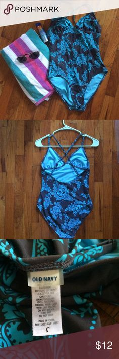 One piece swimsuit, Old Navy Cute, like-new one piece swimsuit in brown & turquoise. Single straps crisscross in back. No padding in chest. Old Navy Swim One Pieces