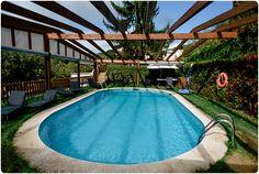 Aussenpool  Barcelona-MasSalagros-Ecoresort-Biohotels Barcelona, Hotels, Daimler Benz, Das Hotel, Road Trip, Outdoor Decor, Spanish, Viajes, Road Trips