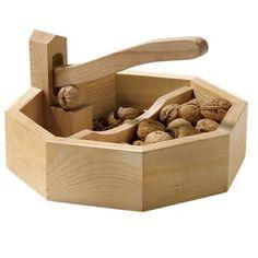 Nussknacker aus hochwertigem Holz.