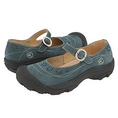 Keen shoes go anywhere. Comfortable enough to wear without socks and have incredible insoles that never create stinky feet. Funky Shoes, Keen Shoes, Kinds Of Shoes, Cute Shoes, Me Too Shoes, Comfy Shoes, Comfortable Shoes, Sock Shoes, Shoe Boots