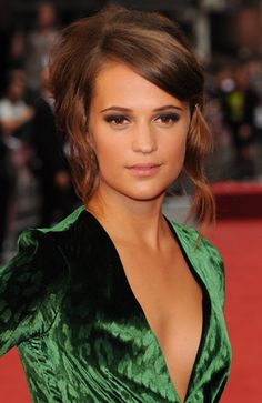 Alicia Vikander On Fainting In Corsets And Why She Ditched Ballet For Acting At The Anna Karenina Premiere: EXCLUSIVE