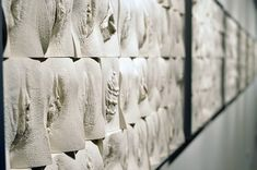 Jamie McCartney, The Great Wall of Vagina (2008). Detail. Photo: Courtesy of the artist.