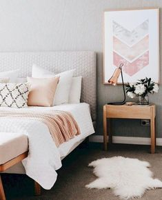 Cozy bedroom decor, bedroom design ideas, modern wall artworks, modern pillow covers, modern interior design covers modern Bedroom Decor Ideas To You First Apartment Decorating, Apartments Decorating, Decorating Bedrooms, Teenage Room Decor, My New Room, Home Decor Bedroom, Bedroom Inspo, Bedroom Colors, Bedroom Artwork