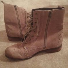 DV Dolce Vita Taupe Suede Lace Up boots DV Dolce Vita Taupe Suede Lace Up Side Zip Ankle Boots Size 7 1/2 EUC Product  Condition Excellent Condition; no flaws. Short Wooden Block Heel Lace up and Side Zip Dot Cutout Edge Detail DV by Dolce Vita Shoes Lace Up Boots