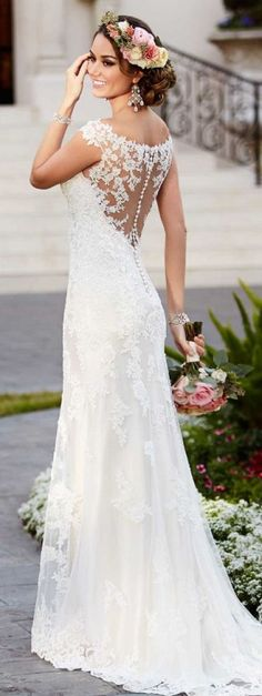 http://rubies.work/0772-blue-sapphire-earrings/ Lace applique Wedding dress