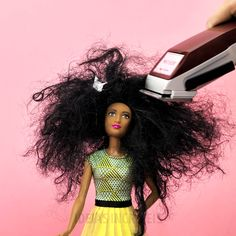 Ideias com bonecas Barbie - Wanderlust - Ideias com bonecas Barbie The Effective Pictures We Offer You About chinese Clothing hacks vid - Barbie Dolls Diy, Diy Barbie Clothes, Barbie Dress, Diy Doll, Barbie Kids, Diy Crafts Hacks, Diy Crafts For Gifts, Cute Crafts, Diy Arts And Crafts