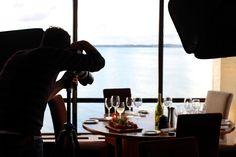 Ecco i link alle lezioni già pubblicate per il corso di fotografia in cucina realizzato in collaborazione con Luisa Puccini. Luisa, lezione dopo lezione, passo dopo passo, ci spiega le caratteristiche delle macchine digitali, le varie componenti,i metodi e i trucchi per fare splendide foto dei nostri piatti (e non solo!). Ma come è nata l'idea del corso di fotografia? Beh, diciamo che la fotografia appassiona un po' tutti e il dover fotografare i piatti sia durante la preparazione ...