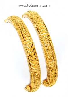 Totaram Jewelers Online Indian Gold Jewelry store to buy Gold Jewellery and Diamond Jewelry. Buy Indian Gold Jewellery like Gold Chains, Gold Pendants, Gold Rings, Gold bangles, Gold Kada Dubai Gold Bangles, Gold Bangles For Women, Gold Bangles Design, Designer Bangles, Gold Bracelets, Real Gold Jewelry, Gold Jewellery, Indian Jewelry, Diamond Jewelry