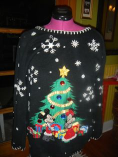 Mickey and Minnie Disney Tacky Ugly Christmas sweater size Extra Large fecab53100