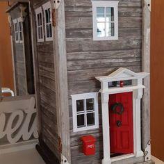 Tonttutalo rikkinäisestä lyhdystä – näin se tehtiin!   Meillä kotona Hobbies And Crafts, Diy And Crafts, Door Stop, Winter Fun, Holidays And Events, Christmas Holidays, Miniatures, House Design, Interior