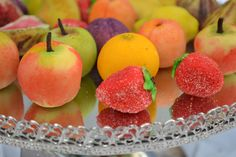 Christmas recipe 4: How to make marzipan fruit....  via pinterest