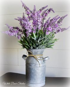 Blooming Lavender Farmhouse Floral Arrangement in Whitewashed Metal Milk Bottle Bring a touch of farmhouse charm to any room of your home with this gorgeous [. Deco Pizzeria, Country Decor, Farmhouse Decor, Lavender Decor, Lavender Room, Kunstjournal Inspiration, Milk Cans, Silk Flower Arrangements, Diy Décoration
