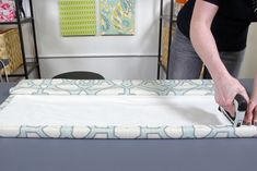 Getting custom Roman shades made is expensive, so why not make them yourself? This tutorial includes a video, written directions, and photos. Fabric Glue, Lining Fabric, Blind Hem Stitch, Roman Shade Tutorial, Cordless Roman Shades, Custom Roman Shades, Invisible Stitch, Stitch Witchery, Thing 1