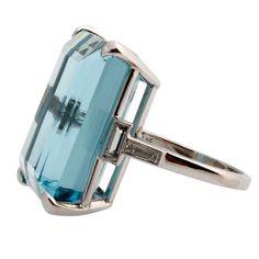 Deco Aquamarine Ring set in Platinum
