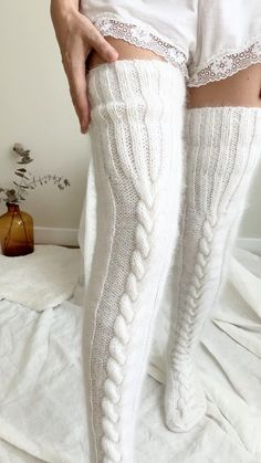 Thigh High Socks Outfit, High Socks Outfits, Cute Outfits, Thigh High Knit Socks, Thigh Socks, Long Socks Outfit, Thigh High Leggings, Gros Pull Mohair, Woolen Socks