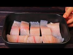 Теперь любую РЫБУ готовлю ТОЛЬКО ТАК! Невероятно вкусно! - YouTube Seafood Recipes, Keto Recipes, Cake Recipes, Baked Fish, Polish Recipes, Crab Cakes, Fish And Seafood, Bon Appetit, Food To Make