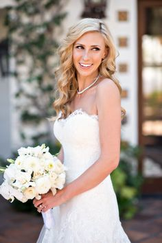 Curled perfection: http://www.stylemepretty.com/california-weddings/2015/07/15/rustic-summer-wedding-at-hummingbird-nest-ranch/ | Photography: B&G - http://www.bandgphotography.com/