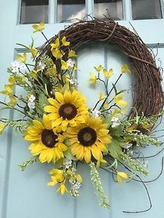 Beautiful Rustic Farmhouse Country Sunflower Autumn Wreath for your Front Door - Farmhouse-Rustic-Country-Sunflower-Spring-Summer-Wreath-for-your-Front-Door - Summer Door Wreaths, Holiday Wreaths, Autumn Wreaths For Front Door, Wreaths For Windows, Wreaths For Spring, Wreath Crafts, Diy Wreath, Wreath Ideas, Autumn Wreath Diy